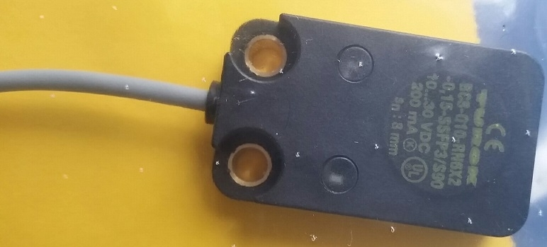 德国TURCK电感式传感器NI15-S30-AZ3X/S100